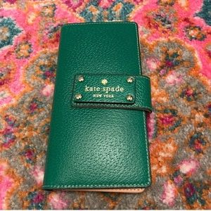 Kelly green Kate Spade wallet-excellent condition!